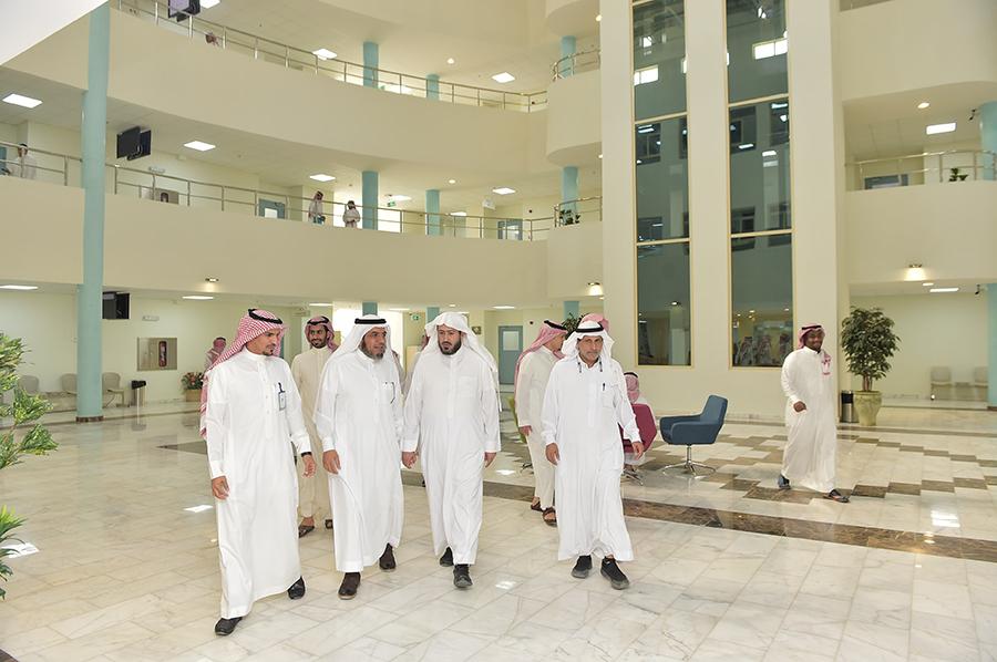 وكيل الجامعة يقوم بزيارة تفقدية لكلية العلوم والدراسات الإنسانية بحوطة سدير Majmaah University