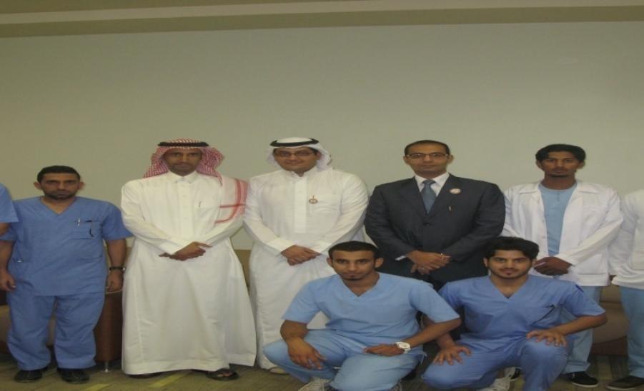 بنك الدم بمستشفى الزلفي العام يقيم حملة تبرع بالتعاون مع ...